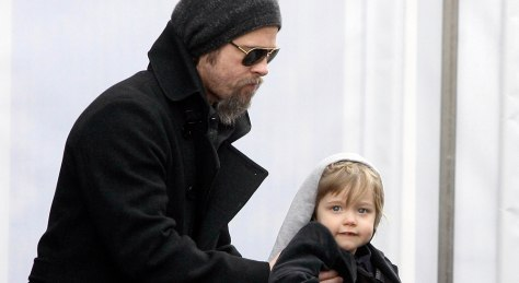 Image: Brad Pitt, Knox Jolie-Pitt
