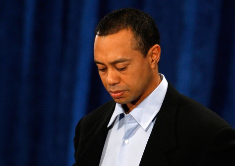 Image: Tiger Woods apologizes