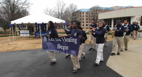Image: University of Alabama students return