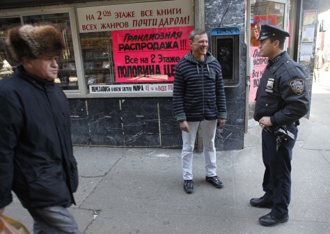 Image: NYPD officer speaking Russian