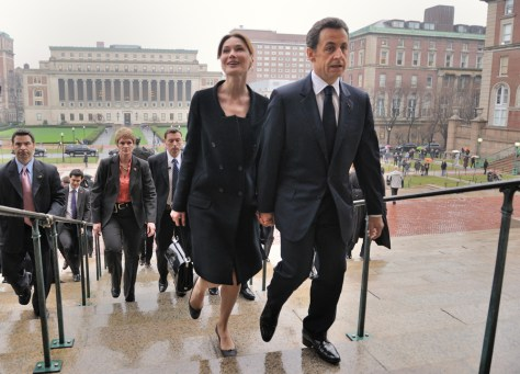 Image: French President Nicolas Sarkozy and his wife Carla Bruni-Sarkozy