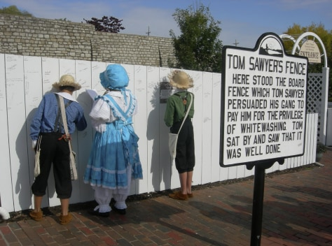 Image: Tom Sawyer fence