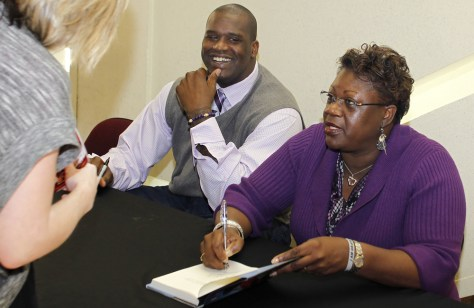 Image: Shaquille O'Neal and Lucille O'Neal