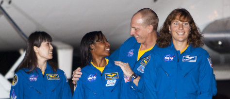 Image: Astronauts arrive