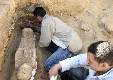 Image: Working on sarcophagus