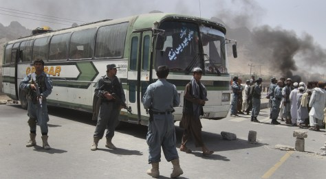 Image: Afghans protest bus shooting
