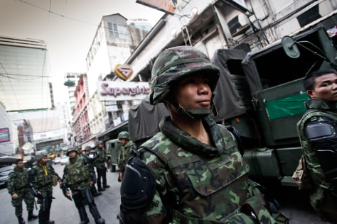 Image: Thai soldiers in Bangkok's business district