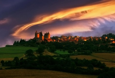 Image: Chateauneuf-en-Auxois at sunset