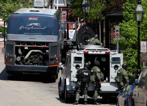 Image: Bus standoff
