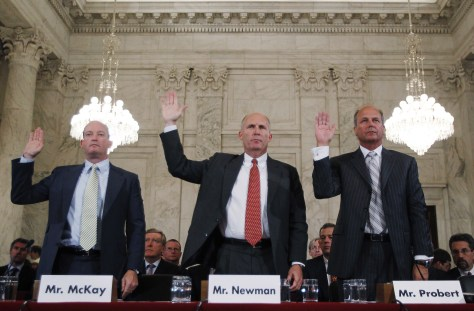 Image: BP, Transocean, Halliburton executives are sworn in