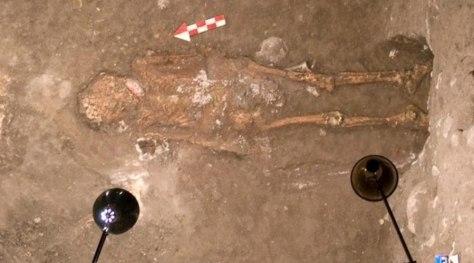 Image: Mexico tomb