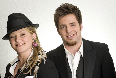 Image: Crystal Bowersox, Lee Dewyze