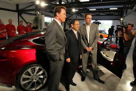 Image: Gov. Arnold Schwarzenegger And Tesla Motors