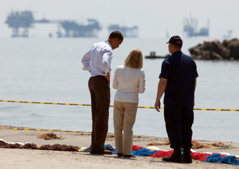 Image: Barack Obama, Thad Allen, Charlotte Randolph