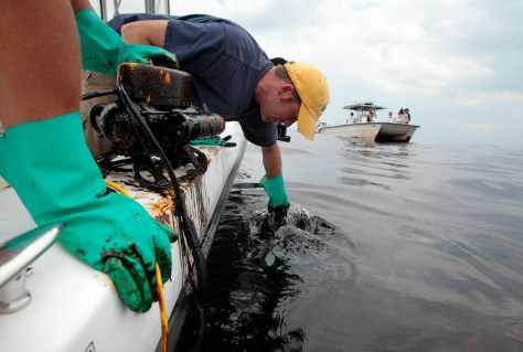 Image: Researchers in the Gulf of Mexico