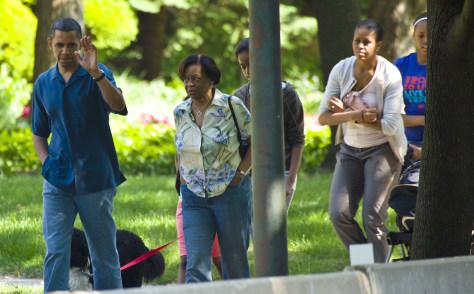 Image: Obamas visit Chicago
