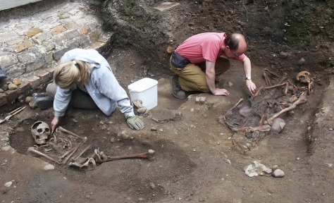 Image: Archaeologists unearth Roman skeletons in York, England.
