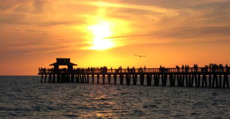 Imaeg: Pier in Naples