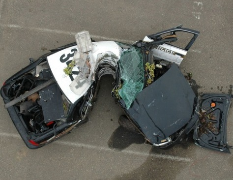 Image: Wrecked police car