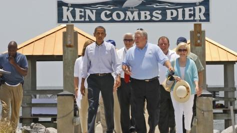 Image: Barack Obama, Haley Barbour, George Schloegel
