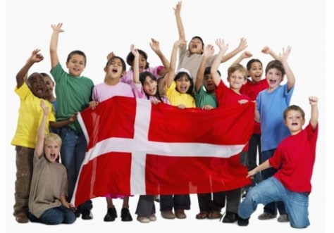 Image: Kids with Denmark's flag