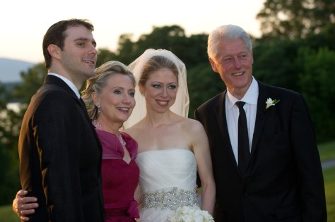 Image: Mark Mezvinsky, Hillary Clinton, Chelsea Clinton and Bill Clinton together at wedding