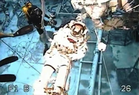Image: Pool practice for spacewalk