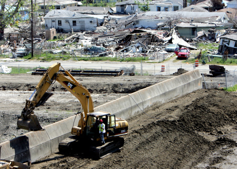 Image: Work on damaged levee repair in Lower Ninth Ward