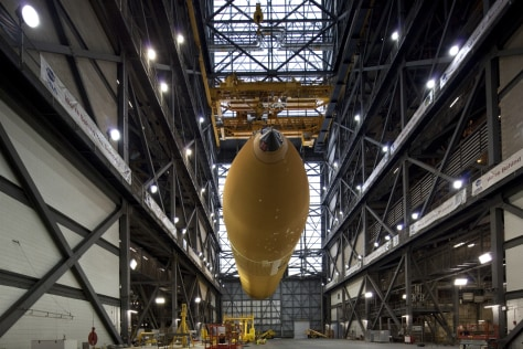 Image: External tank in VAB