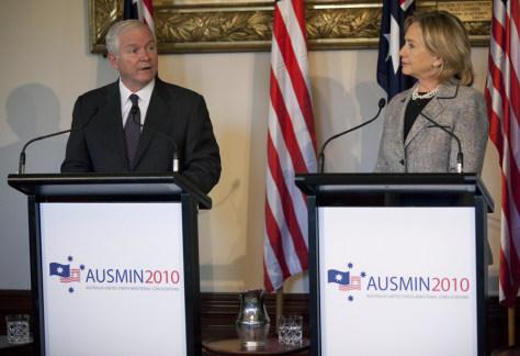 Image: Robert Gates, Hillary Rodham Clinton