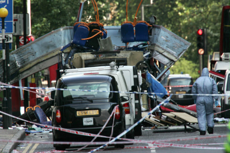 Image: Scene of suicide bombing in London on July 7, 2005