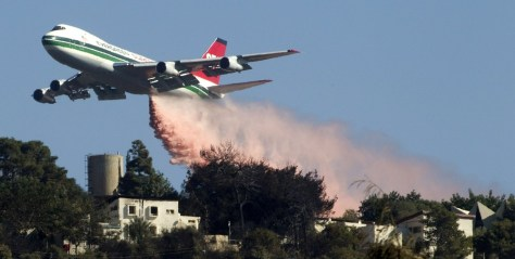Image: U.S. Evergreen 747 supertanker sprays over