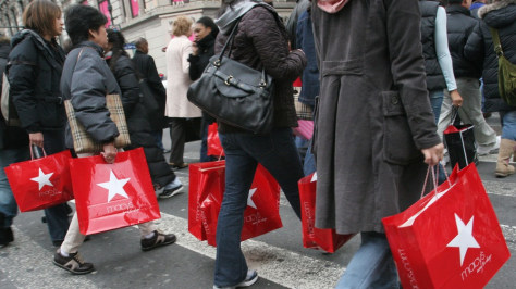 Image: shoppers in New York City