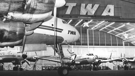 Image: TWA hangar, Midway Airport