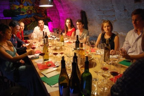 Image: wine tasting in Paris