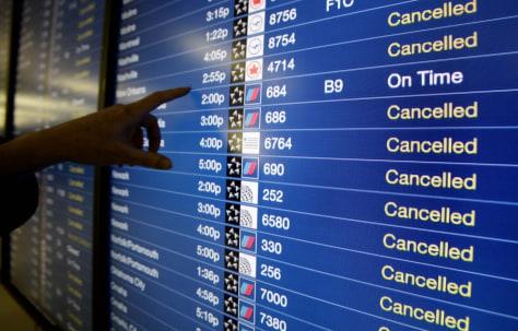 Image: Flight cancellations