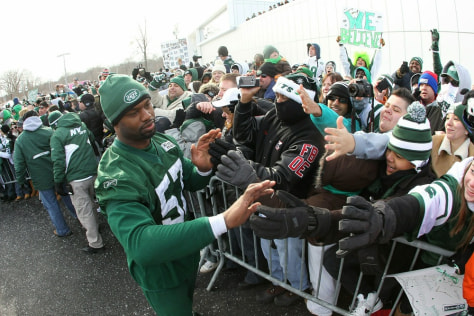 Image: Linebacker Bart Scott