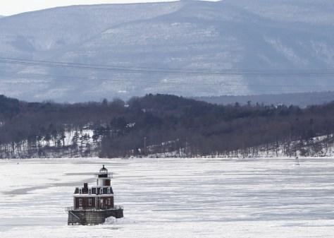 Image: Frozen Hudson River