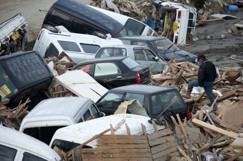 Image:Debris inSendai, Japan