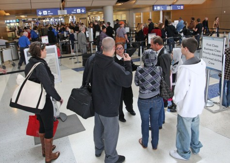 Image: Passengers at Dallas/Fort Worth airport in Texas