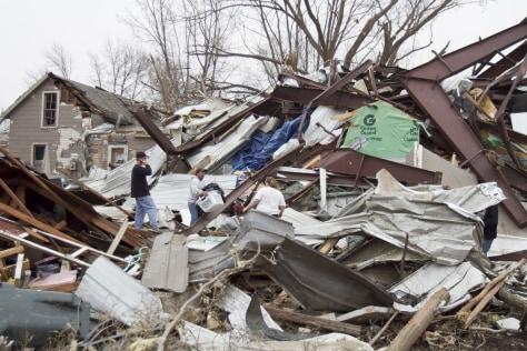 Image: Storm damage in Mapleton, Iowa