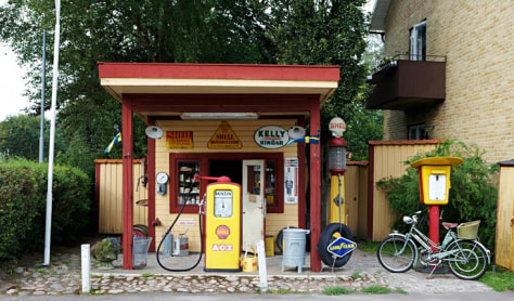 Image: Scandinavia, Sweden, Vastergotland, Petrol station on roadside
