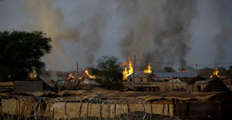 Image: Burning homes in Abyei, central Sudan
