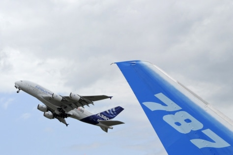 Image: An Airbus A380 takes off at the Paris air show