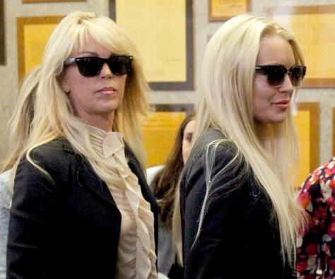 Image: Lindsay Lohan, Dina Lohan