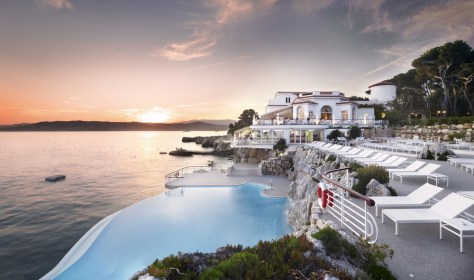 Image: pool at Hotel du Cap-Eden-Roc