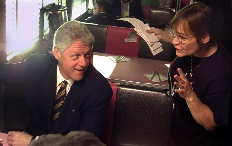 "US President Bill Clinton orders a cheeseburger ""w"