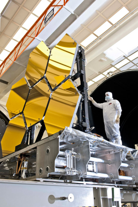 Photo of JWST's gold mirrors