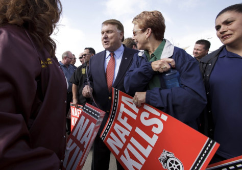 Image: James Hoffa at a rally against cross-border trucking