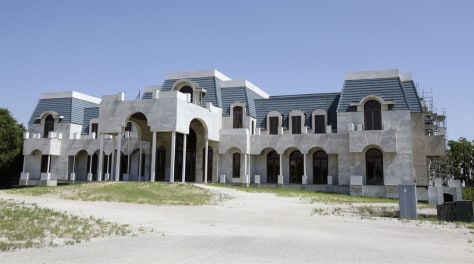 Image: Home for sale by owner and timeshare tycoon David Siegel in Windermere, Fla.